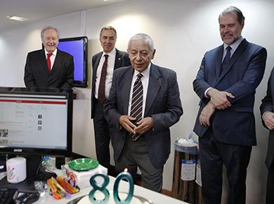 3b361aa0f6d1a 30 out Ministros do STF participam de homenagem aos 80 anos do jornalista  Luiz Orlando Carneiro